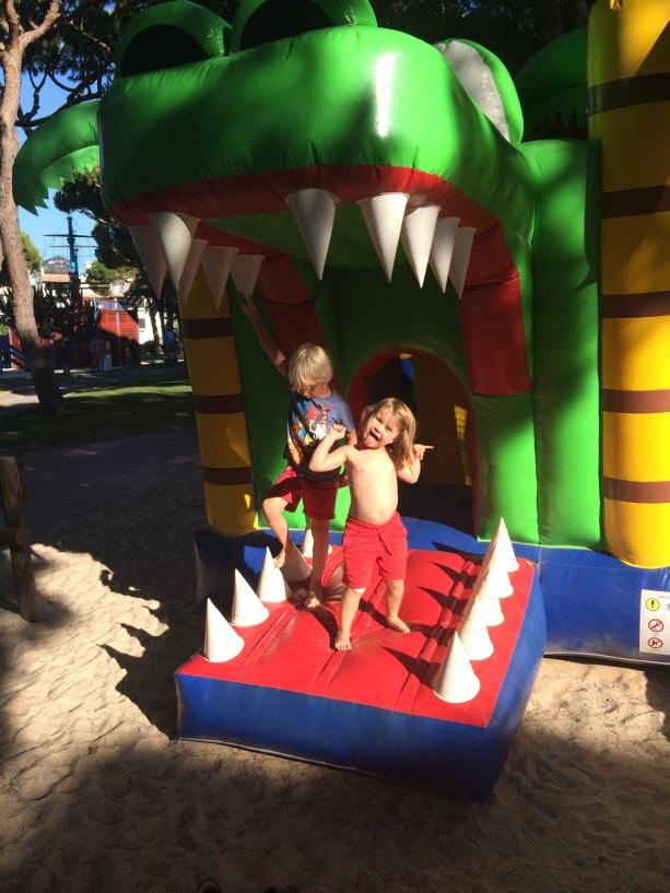 Porto Pirata bouncy castle, Pine Cliffs