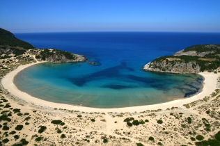 The stunning beach at Voidokilia