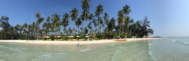 Main beach, Soneva Kiri